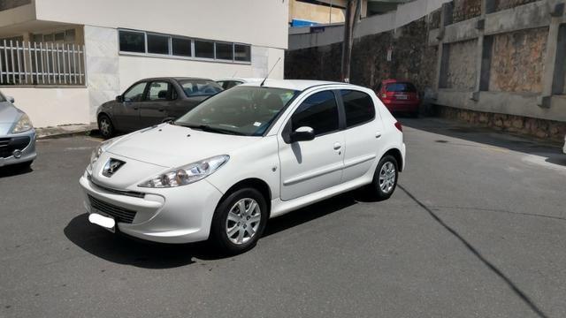 Oportunidade Imperdível! Peugeot 207 XR 1.4 Flex