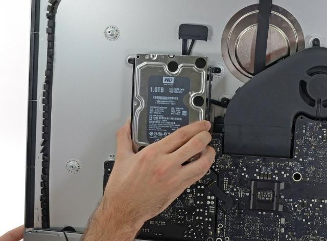Instalar SATA (SSD ou HDD) iMac de 27 polegadas Retina 5K (final de 2015 - 2017) - Foto 5