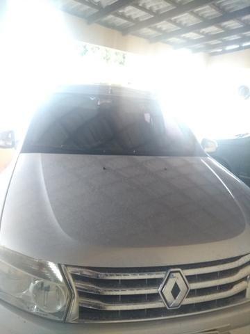 Vende-se ou troca-se duster por carro de menor valor - Foto 2