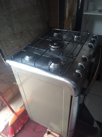 Vendo uma geladeira e um fogão - Foto 4