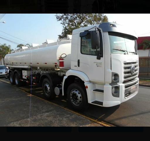 Caminhão pipa 24.280