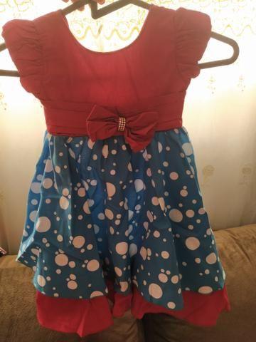 Vestidos de criança (várias peças)