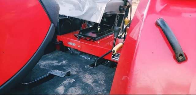 Massey Ferguson 4x4 - Foto 3