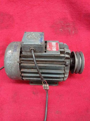 Motor elétrico trifásico ARNO 4cv 1430/1715rpm