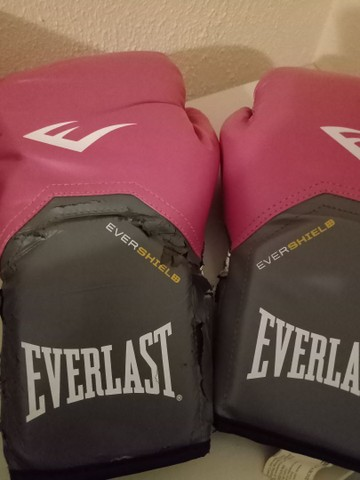 Kit Luva Everlast 12 Oz e par de atadura Everlast - Foto 2
