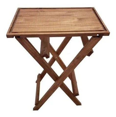 Mesa dobrável com tábua