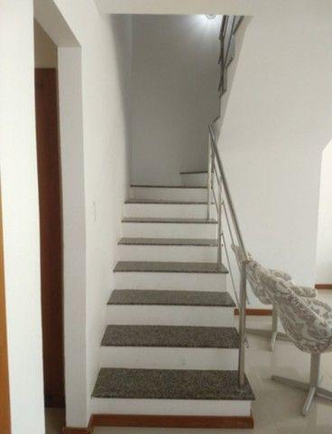 Casa 4/4, Semi mobiliada em cond fechado na Praia de Buraquinho em Lauro de Freitas - Foto 2