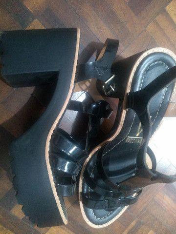 Vendo sandália e vestido  - Foto 2