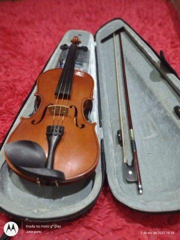 Violino em perfeito estado, último preço. Pra vender logo.
