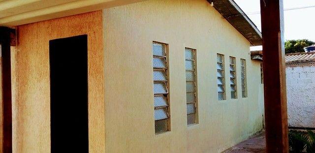 Vendo casa na região  da avenida guaicurus próximo  upa universitário  - Foto 5