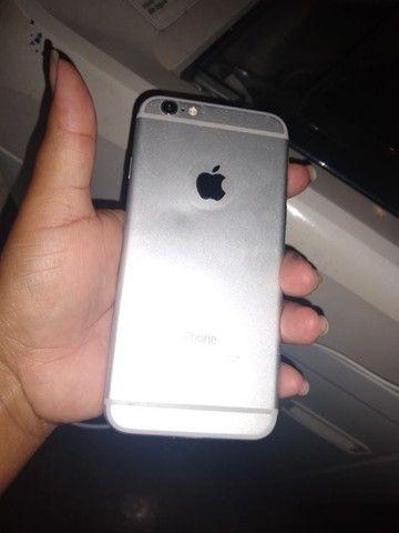 Vendo ou troco iPhone 6 128 gigas funcionando perfeitamente bateria 100 por cento. - Foto 2