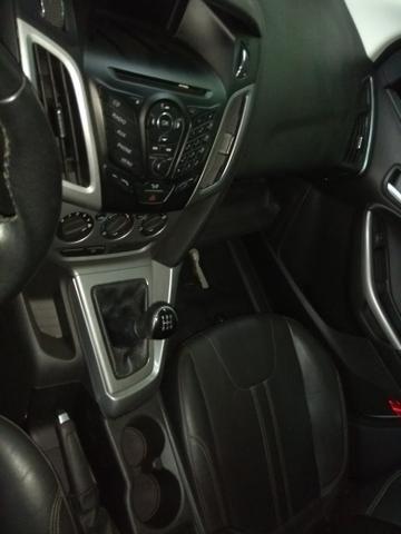 Focus sucata 2015 sedan 1.6 couro rodas pneus zerados por 11.900 sucata baixada
