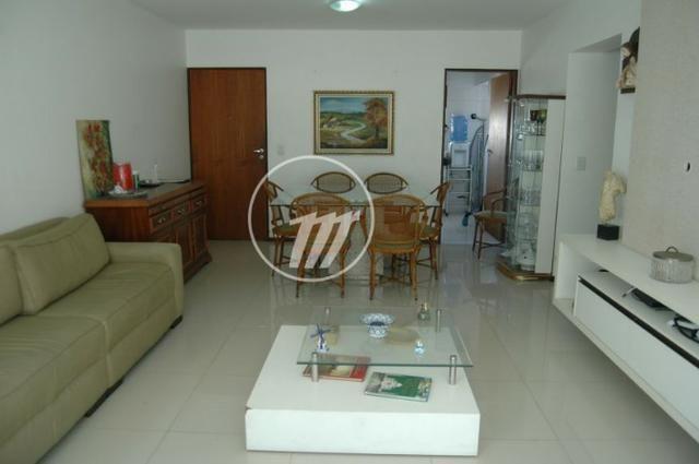 Apartamento com 125 m², 3/4 (sendo 02 suítes), na Ponta Verde. REF: C4052
