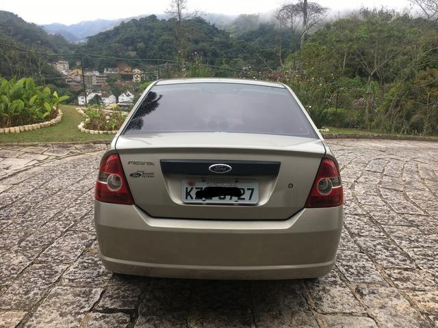 Ford Fiesta 2010 - Foto 4