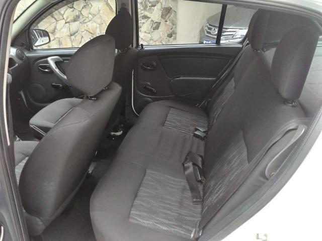 Sandero 2013 expression 1.0,impecável,90mkm,pneus novos,manual e chave copia - Foto 15