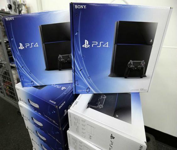 PS4 500gb Playstation 4 +2 Controle +1 Jogo Fisico Brinde (Fotos Reais do Produto)