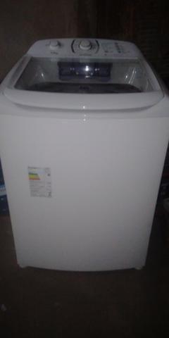 Máquina de lavar com pouco tempo de uso