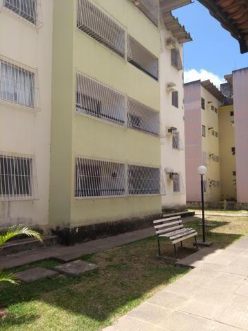 Apartamento no Condomínio Jd. Olinda V Casa caiada