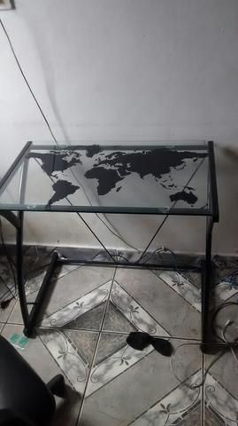 Mesa para escritório de vidro mapa mundial e poltrona - Foto 2