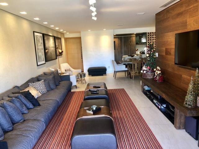 Apartamento com 180 metros, 3 suítes, mobiliado e decorado com vista para o mar - Foto 3