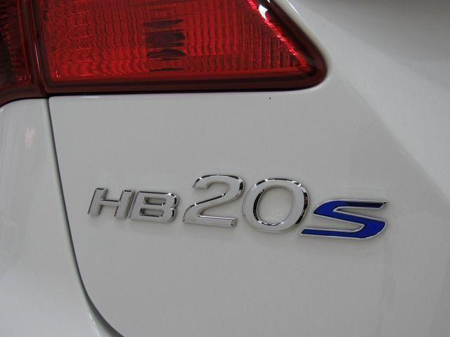 HB20S C.Style/C.Plus1.6 Flex 16V Aut. 4p - Foto 15