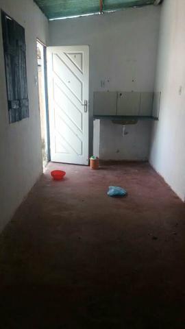 Vendo uma casa no bairro da engomadeira 2/4 sala cozinha banheiro - Foto 3