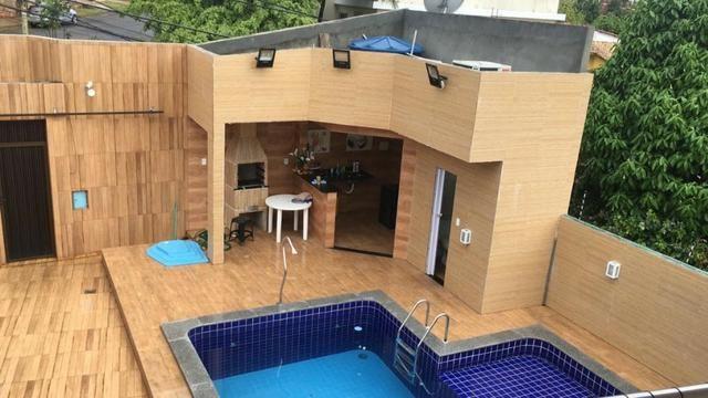 Vendo linda casa de Condomínio com 4 Quartos !!