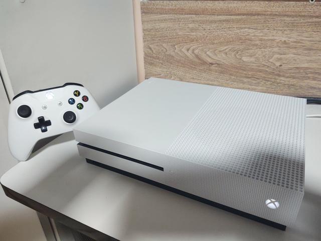 Xbox one s 1 tera semi novo completo 100 jogos