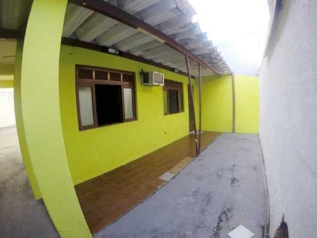 Otima casa com 2 quartos + 3 vagas + Terraço