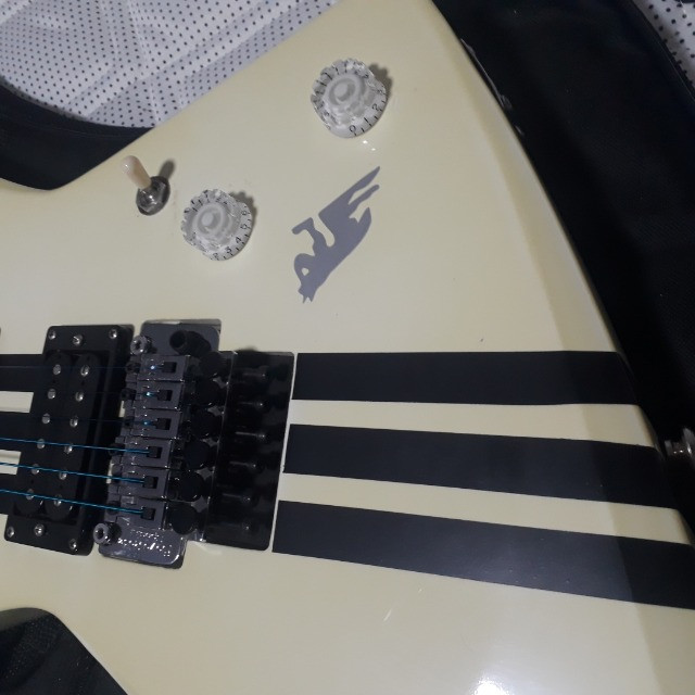 Guitarra Tagima Extreme