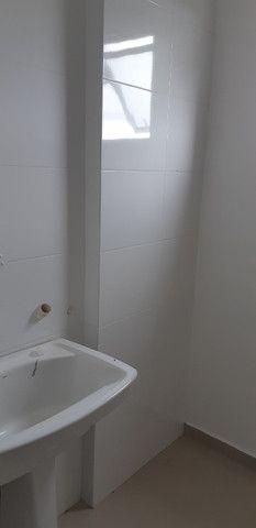 Alugo apartamento com 2 quartos no bairro Adhemar Garcia - Joinville/SC - Foto 2