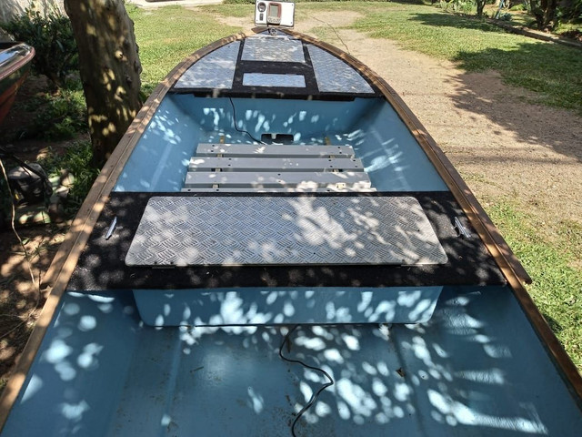 Barco de fibra - Foto 4