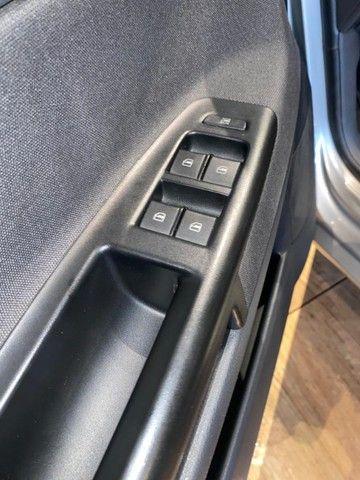 Volkswagen Polo 1.6 Mi 8v Flex 4p Manual ano 2014 - Foto 17