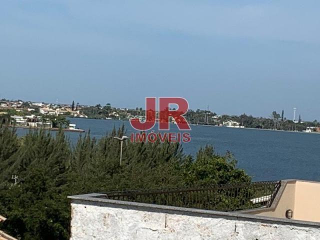Casa duplex 02 suítes, ampla área externa. Alto padrão, primeira moradia. Cabo Frio-RJ. - Foto 7
