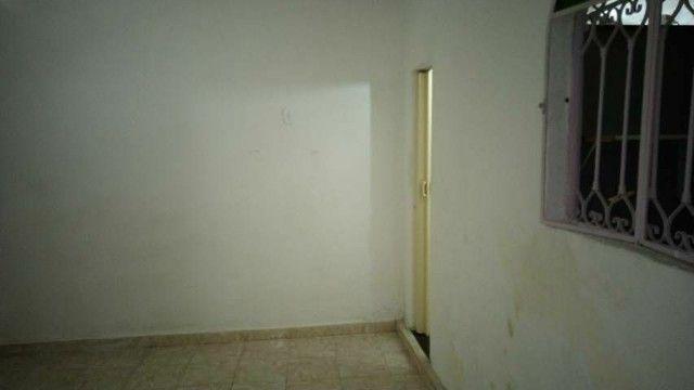 Kitinete tenho 2 p alugar uma condomínio 510 e outra Santa Maria - Foto 2