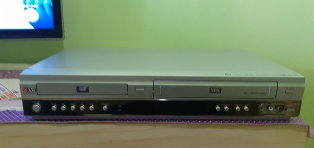 Aparelho vhs e dvd em único aparelho LG - Foto 3