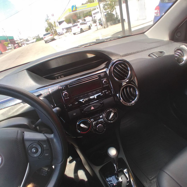 Toyota Etios 2018 sedan 1.5 AUt. financia se com entrada a partir de 10.000 - Foto 3