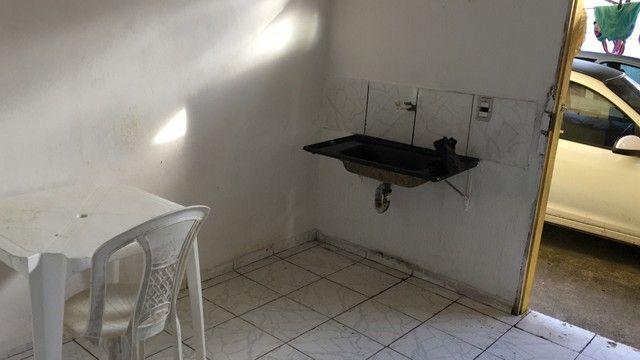 Quitinetes com água e luz já incluso no valor entroncamento de Dias Dávila  - Foto 7