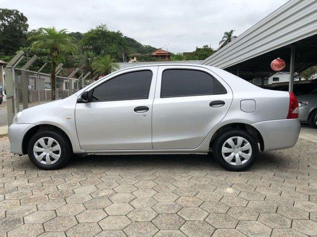 Etios Sedan 1.5 2013 - Foto 4
