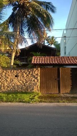 Casa com churrasqueira e piscina