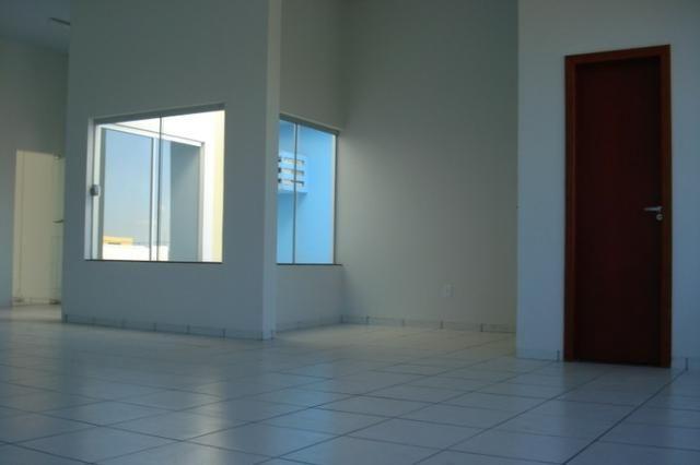 Alugo prédio comercial no centro de Tangará da Serra MT - Foto 2