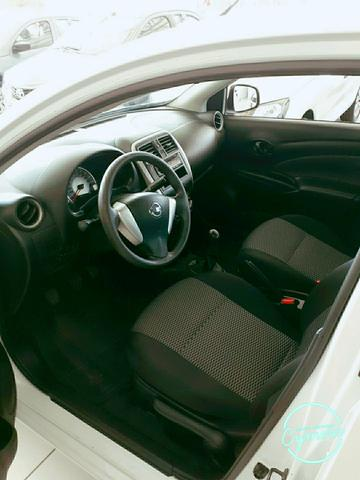Nissan versa 1.0 completo - Foto 4