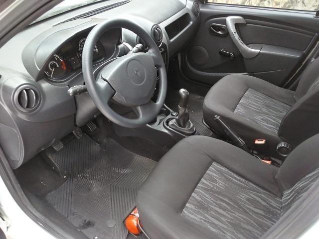 Sandero 2013 expression 1.0,impecável,90mkm,pneus novos,manual e chave copia - Foto 18