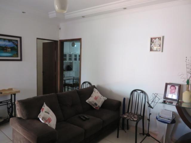 Vendo casa 3 quartos, uma suíte com churrasqueira. Estudo troca apartamento 3 quartos - Foto 5