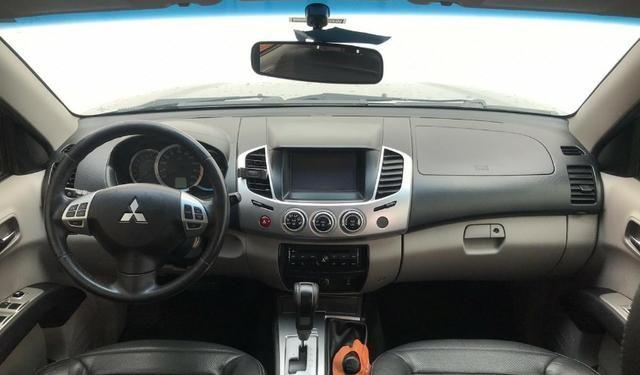 Mitsubishi L200 Triton HPE 3.5 V6 4WD (Flex) (Aut) - Foto 6