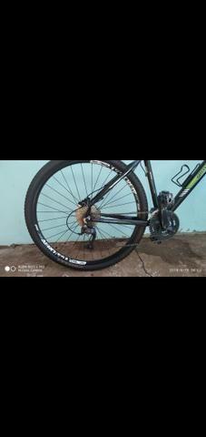 Vendo bike aro 29 freios hidraulicos - Foto 3