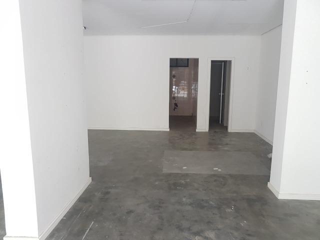 Sala comercial no Centro de Balneário! - Foto 5