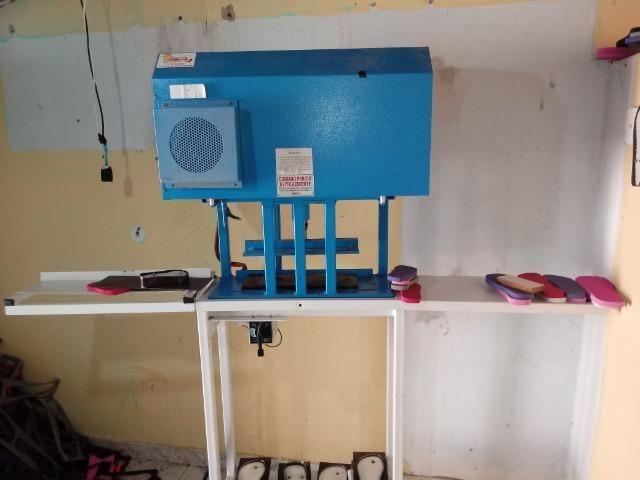 Vendo ou troco maquina automática fazer chinelos compacta print - Foto 5