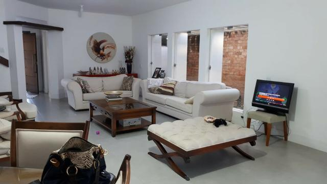 Casa com 4/4, 2 SuÍtes, 450m² - Itaigara (FS53)