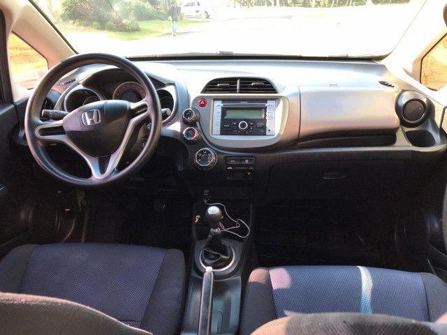 Honda FIT 1.4 LX 8V - 2014 / Impecável / Abaixo da FIPE / Manual, chave reserva, top - Foto 7